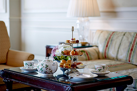 The Club Lounge offers five different food menus every day. (Photo depicts Afternoon Tea)