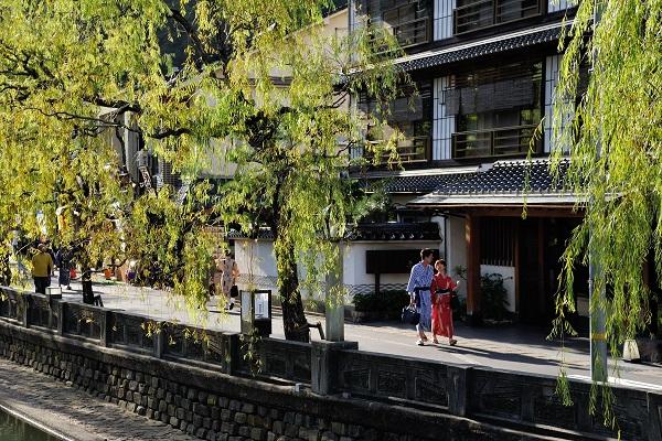 Stroll in Yukata