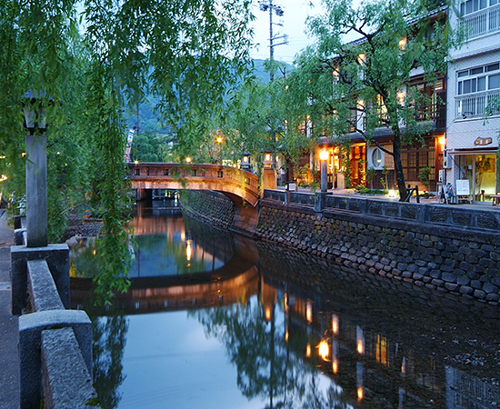 The Otani River, a Kinosaki icon.