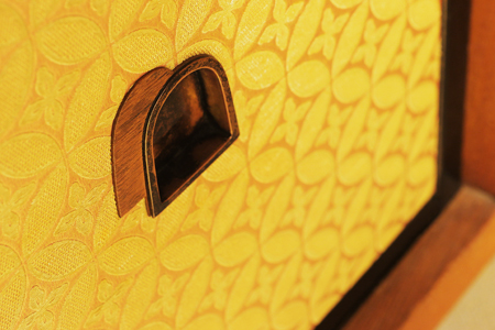 Furnishings for each room are selected to match the room's atmosphere. A cupboard's paper sliding door in the Kumoi room is depicted here.