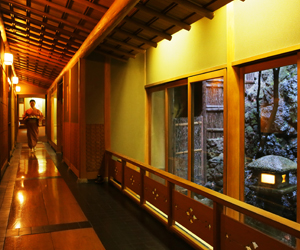 Comments from a nakai-san (a room attendant at a traditional ryokan)