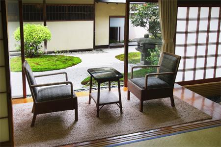 The veranda of the Miyuki room in the Hiratakan annex