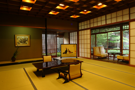 A wide view of the Kangetsu room