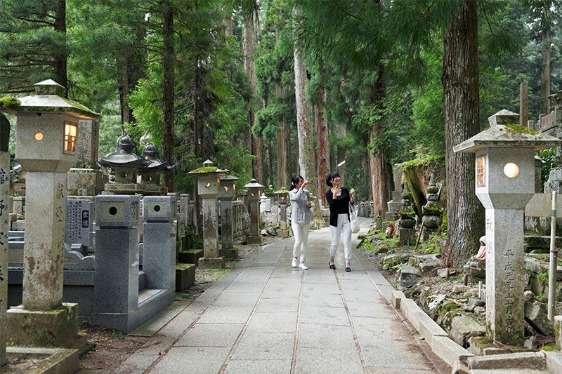 奥之院参道の石碑