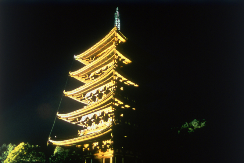 興福寺のライトアップ