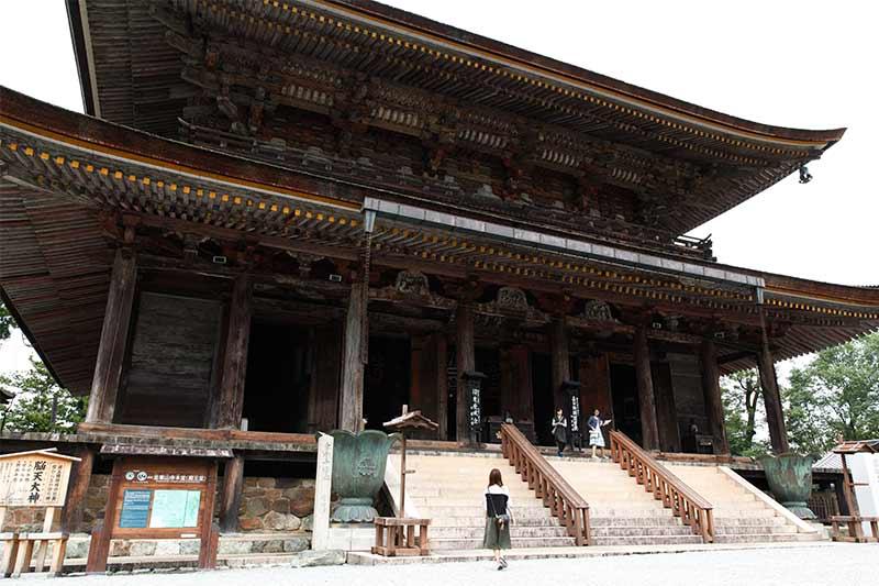 金峯山寺の本堂(蔵王堂)