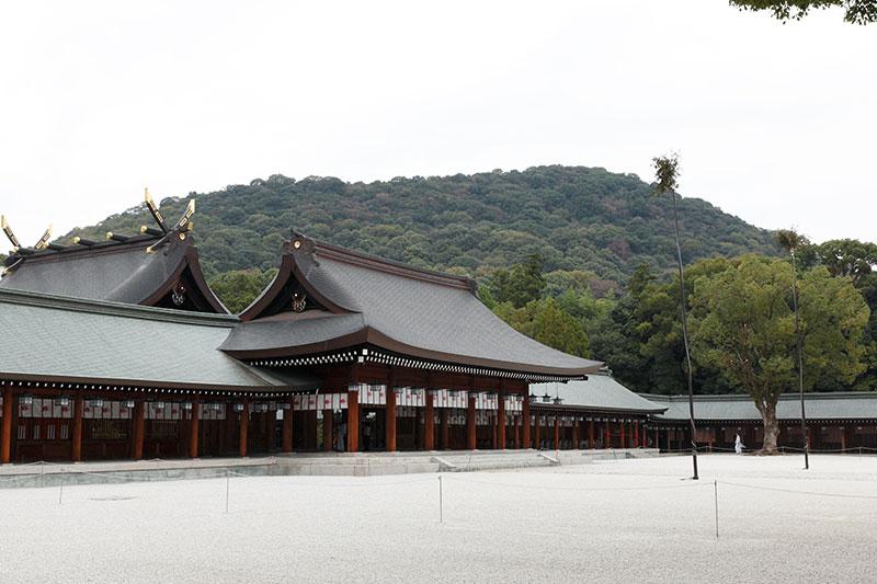 橿原神宮内拝殿