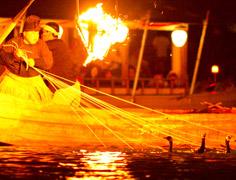 長良川、夏の風物詩「鵜飼」