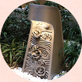 菊間瓦の行燈(露天風呂)