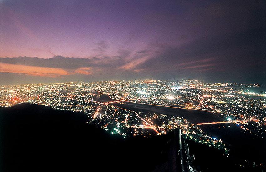 岐阜城パノラマ夜景+信長公450プロジェクト