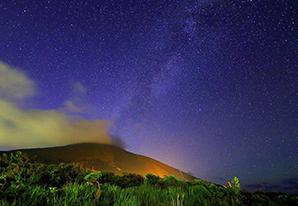 夜空を彩る「満点の星空」