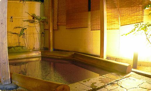 """""""お湯に浸かってのんびり♪2つの温泉"""