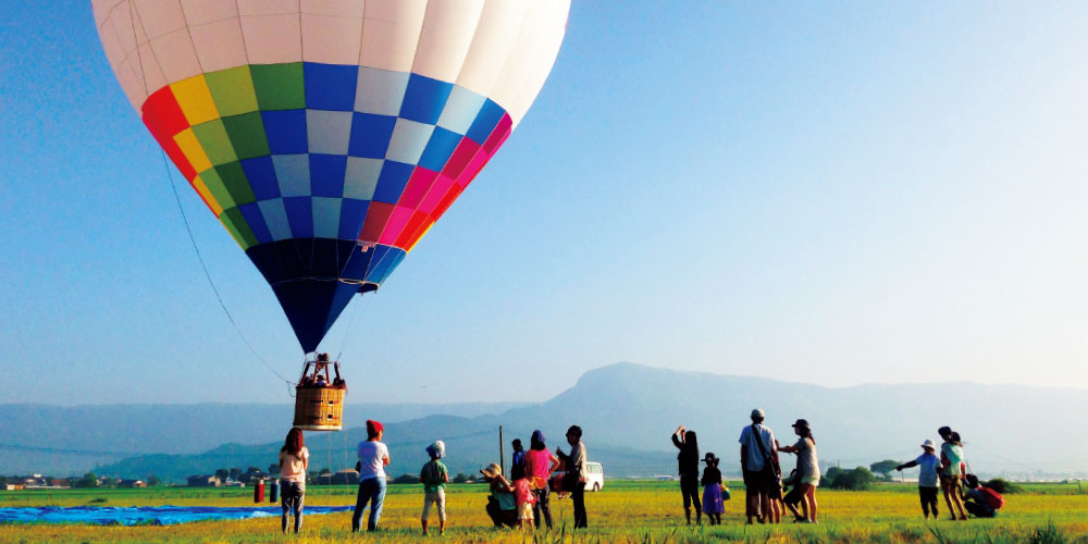 早朝熱気球体験