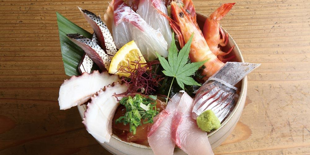 天草陶磁器+海鮮丼 「天草海鮮蔵」