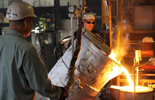 約1500℃の鉄!鋳物工場見学と鋳造体験