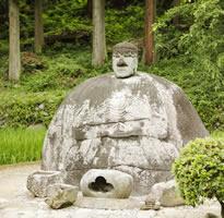 諏訪大社下社春宮(万治の石仏)