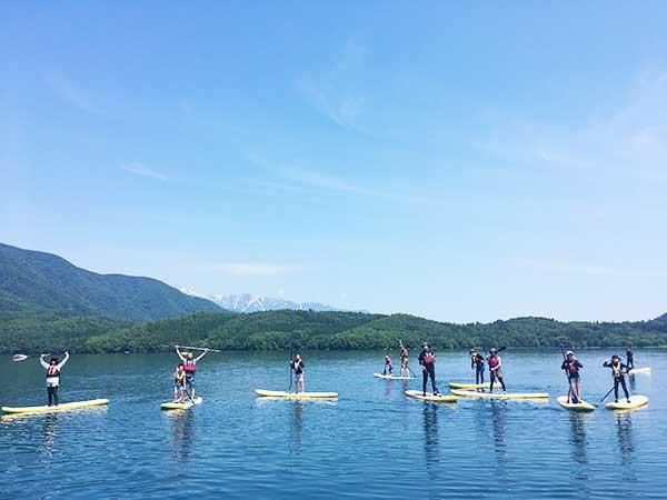 日本屈指の透明度を誇る青木湖で「SUP」