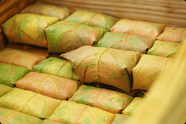 紅葉柿の葉寿司