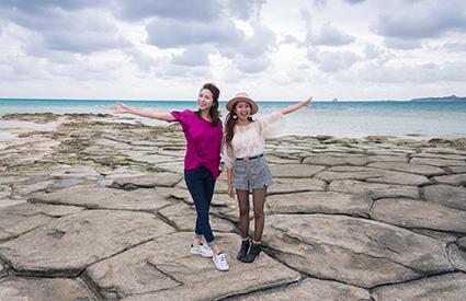 奥武島の「畳石」