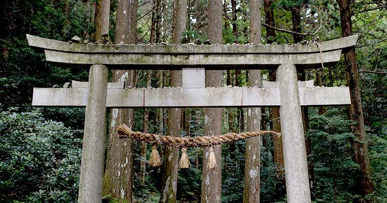 壇鏡神社(隠岐の島町)