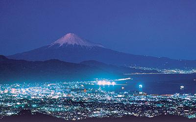 日本平からの夜景と富士山(静岡市)