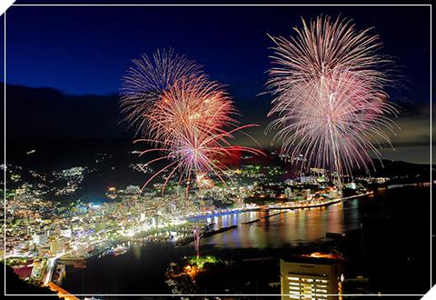 夜に咲く花!熱海海上花火大会