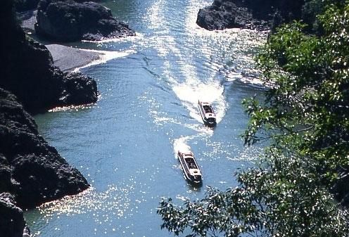 瀞峡観光ウォータージェット船