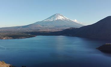 本栖湖 千円札の富士山