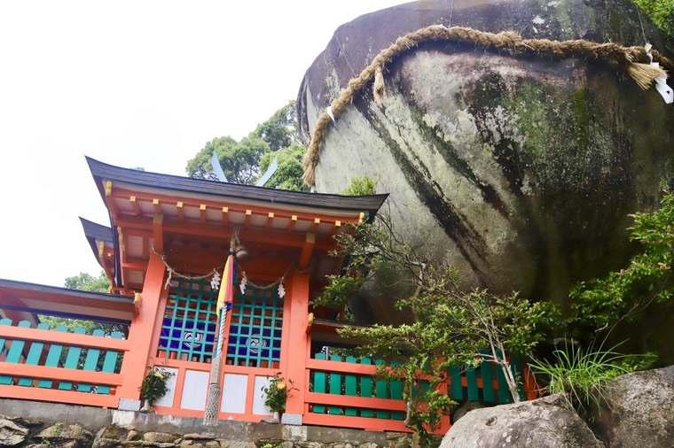 神倉神社とゴトビキ岩