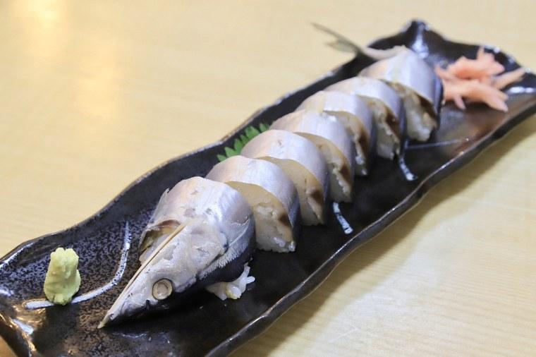 新宮市の名物さんま寿司