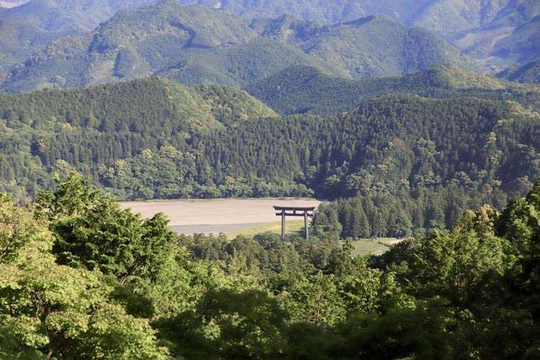 熊野古道の見晴らし台から見た大斎原