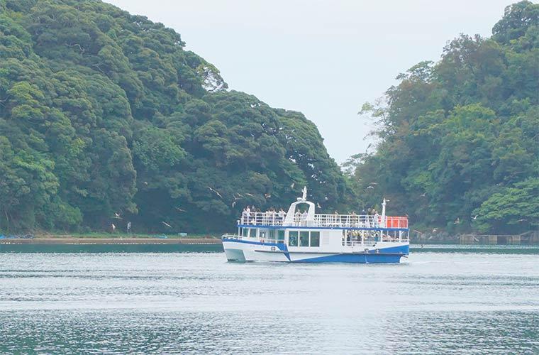 伊根湾巡りの遊覧船