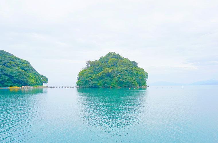 神の住む島といわれる青島