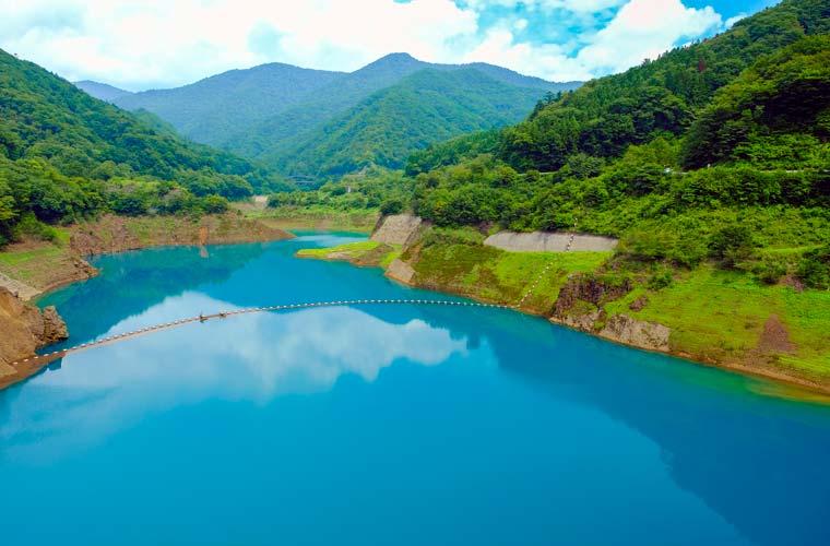 奥四万湖(四万川ダム)