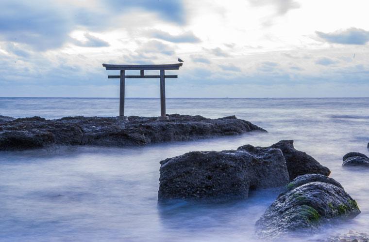 神磯の鳥居(大洗磯前神社)