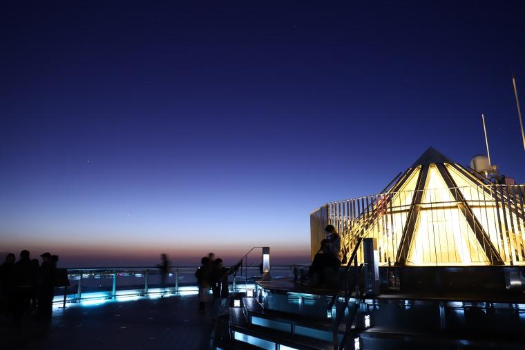 展望台からの夜空