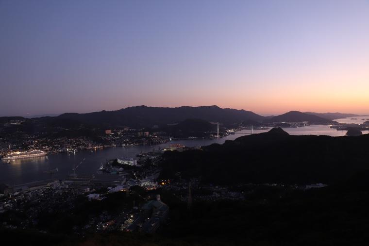 稲佐山から長崎の街を一望
