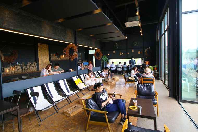 ボロムワットにあるカフェ