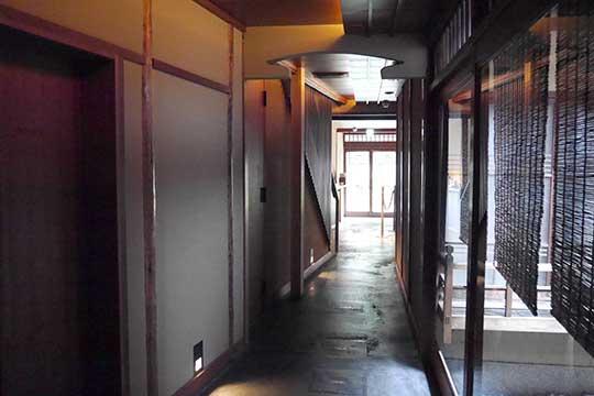 スターバックスコーヒー 京都二寧坂ヤサカ茶屋店 店内