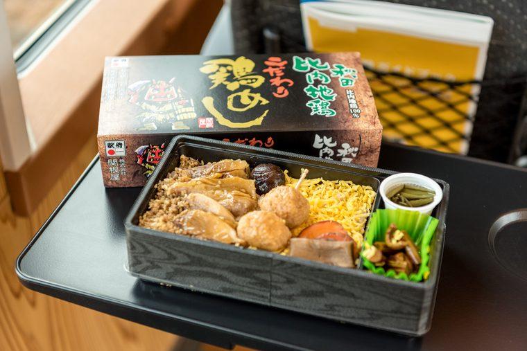 リゾートしらかみ 「秋田比内地鶏こだわり鶏めし」ご当地グルメ ふれあい販売