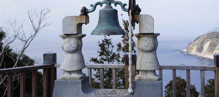 敲響戀人岬的「愛之鐘」3 次,戀情就能實現