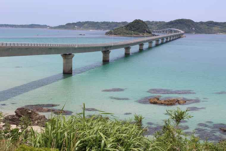 絶景スポットの角島大橋(つのしまおおはし)