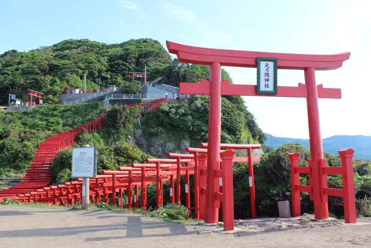 絶景スポットの元乃隅神社