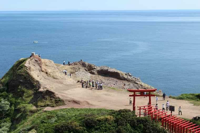 参道入口となる元乃隅神社正面鳥居の日本海側