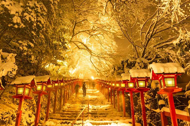 貴船神社の積雪日限定ライトアップ