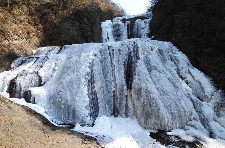 袋田の滝の「氷瀑」