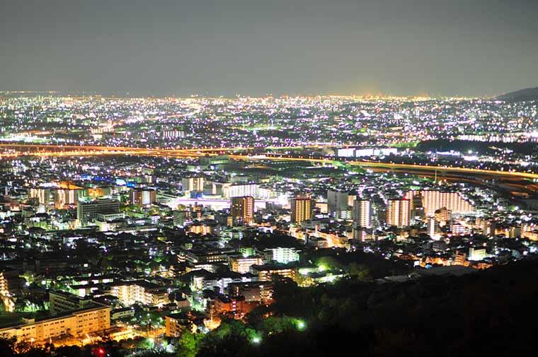 五月山の夜景