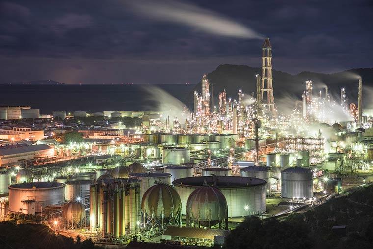 JXTGエネルギー(東燃ゼネラル石油)和歌山製油所の夜景