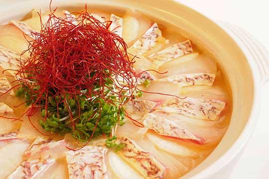島の鯛と玉ねぎのウニフィーユ鍋スープ