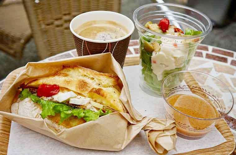 モン・ペシェ・ミニョン ビゴの店 日替わりのクルストウィッチとミニサラダ、ドリンクが楽しめるAセット